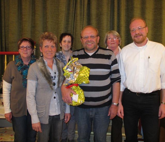 Ilona Haas (hintere Reihe 2. v. links) Reinhold Strauch (vordere Reihe Mitte)